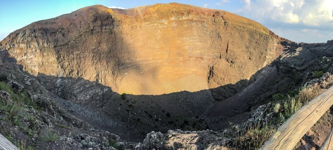 crater del volcan vesubio