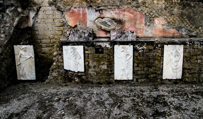 area sacra en la ciudad de herculano