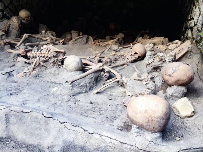 restos humanos ocultos en los cobertizos de herculano
