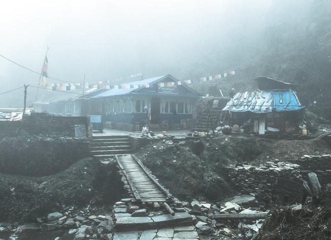trekking poon hill aldea en nepal