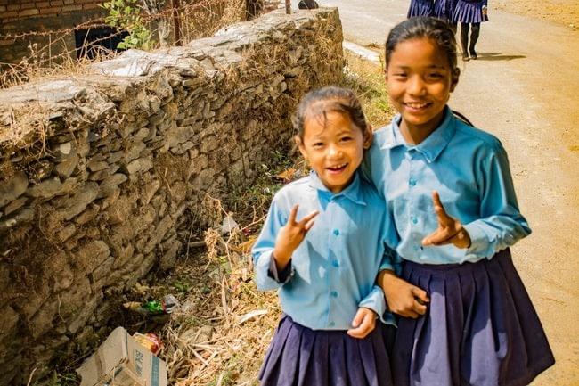 niñas escolares en bandipur