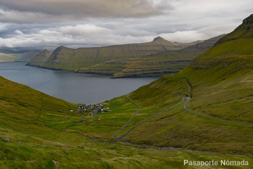 aldea de Funningur encajonada en la isla de eysturoy