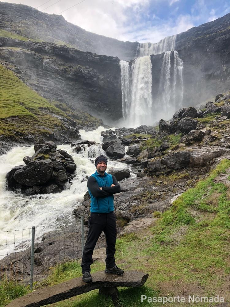 cascada de fossa en las islas feroe
