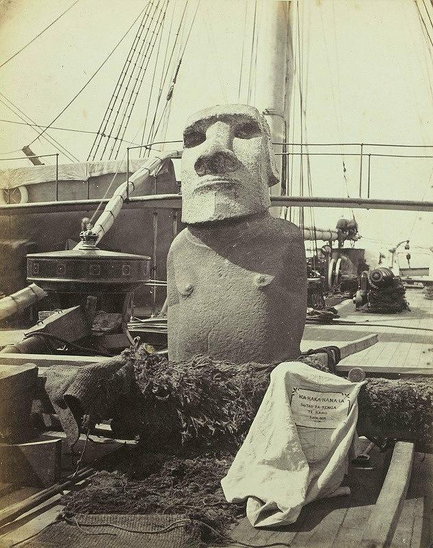 que ver en la isla de pascua moai perdido embarcado por una expedicion inglesa