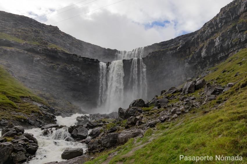 ruta por las islas feroe cascada de fossa