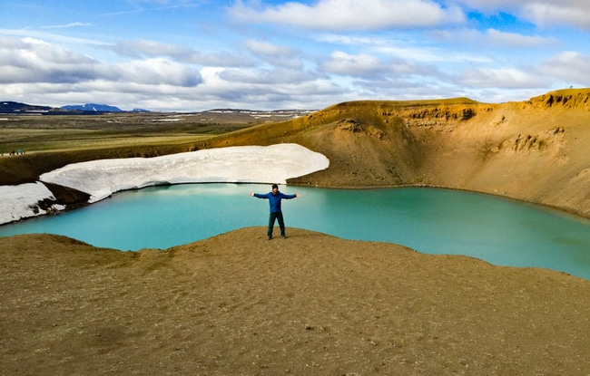 crater viti islandia
