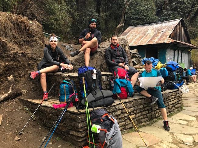 trekking ghorepani poon hill nayathanti