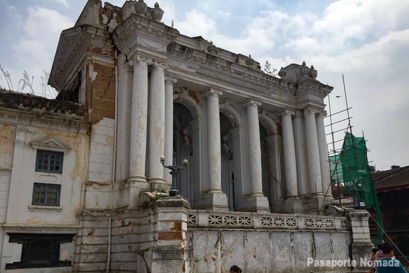gaddhi baithak en la plaza durbar de kathmandu afectada por el terremoto de 2015