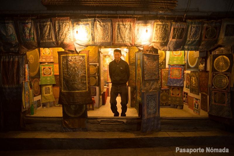 mercados d ela ciudad de kathmandu por la noche