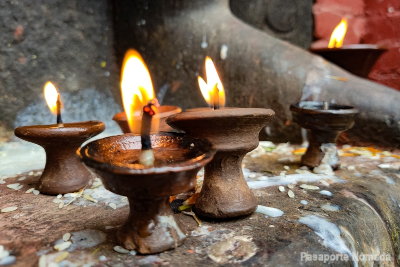 lamparas de manteca en kathmandu nepal ofrendas