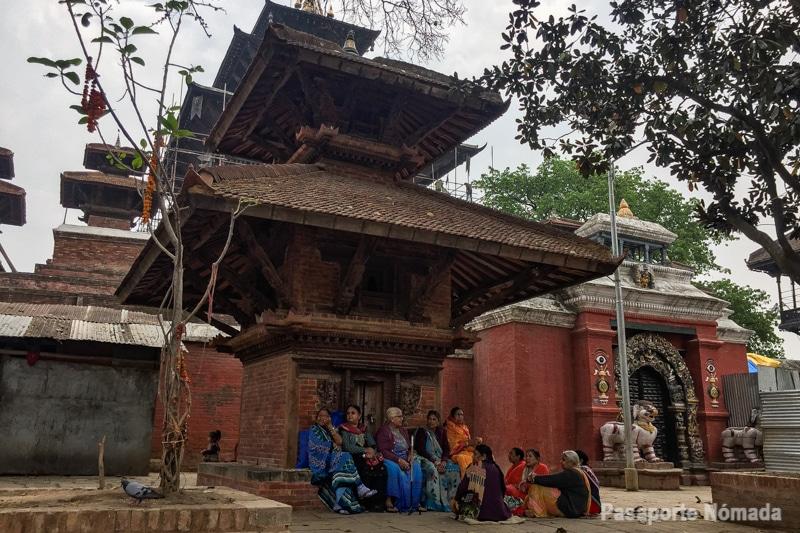 templos hinduistas en la plaza durbar de kathmandu