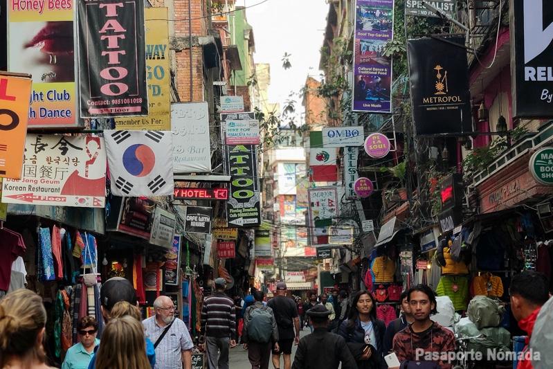 calles del barrio de thamel kathmandu