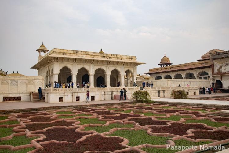 palacio kash mahal en fuerte de agra