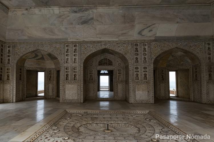 interiores del palacio khas mahal en el fuerte de agra