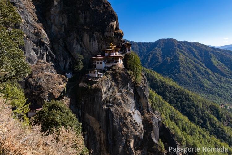 panoramica nido del tigre en butan