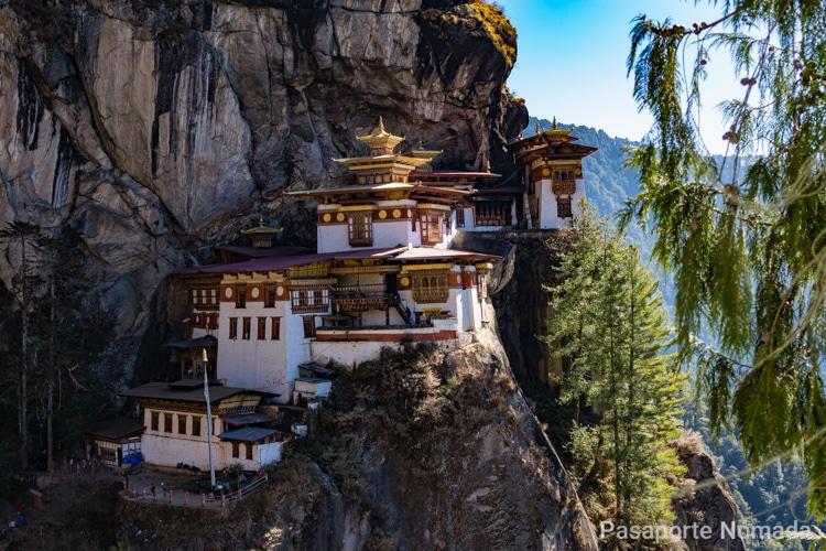caminata al nido del tigre en butan