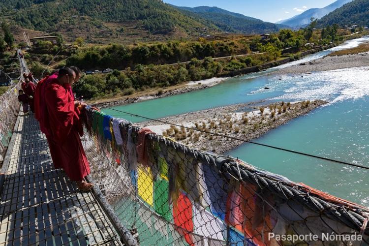 el puente tibetano mas largo de butan