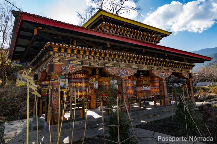 ruedas de oracion en los templos de butan
