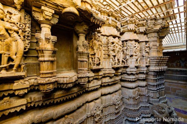 grabados de los templos jainies en jaisalmer