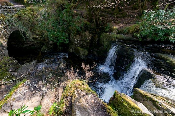 cascada de otec en el parque nacional de killarney