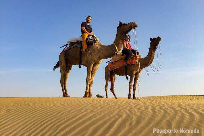 paseos a camello en el desierto de thar