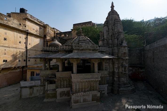 templos jainistas en amber cerca de jaipur