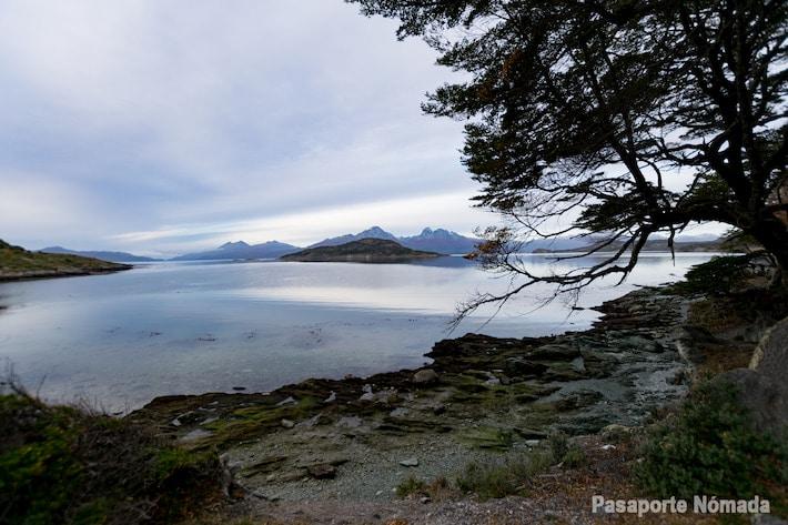 vistas hacia isla redonda desde la ensenada zaratiegui