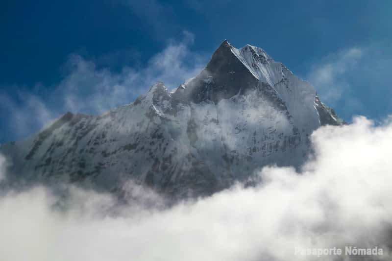 pico del machapuchare desde campo base del annapurna
