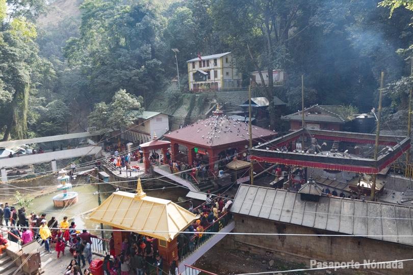 ruta por el valle de kathmandu templo de dakshinkali