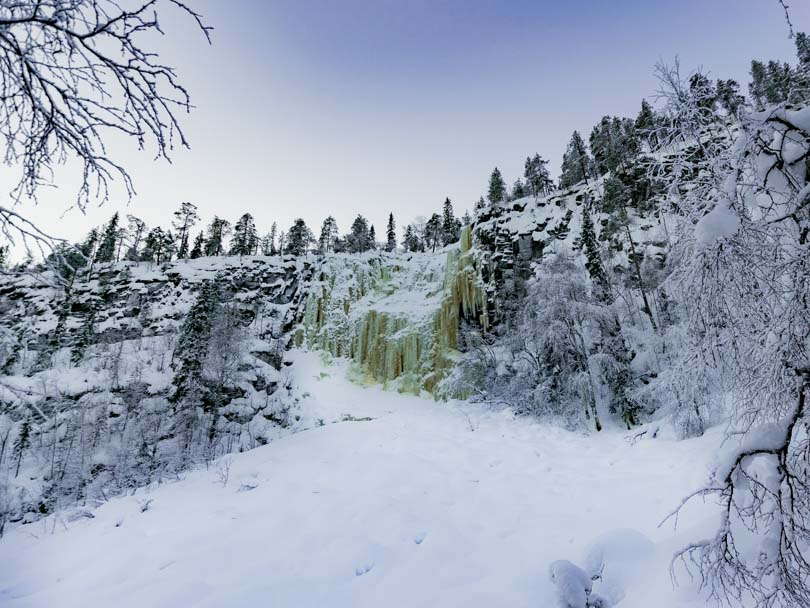 guia para visitar las cascadas de korouoma