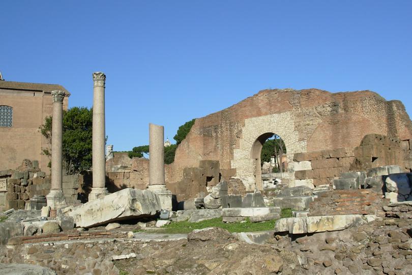 basilica julia del foro romano