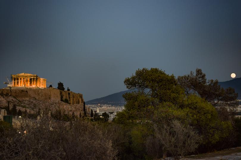 atardecer desde la colina de filopapos hacia la acropolis