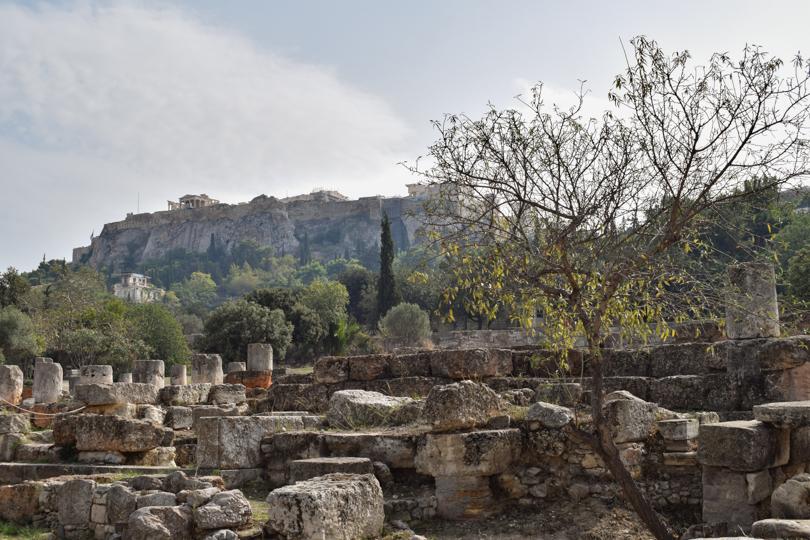 vistas de la acropolis desde el agora griega