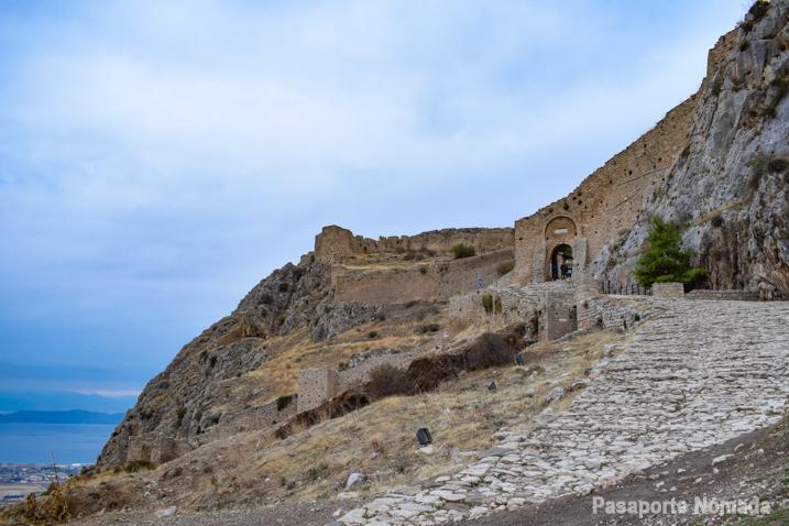visitar acrocorinto grecia