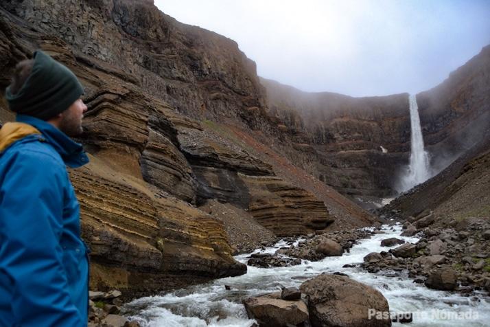 cascada de hengifoss islandia