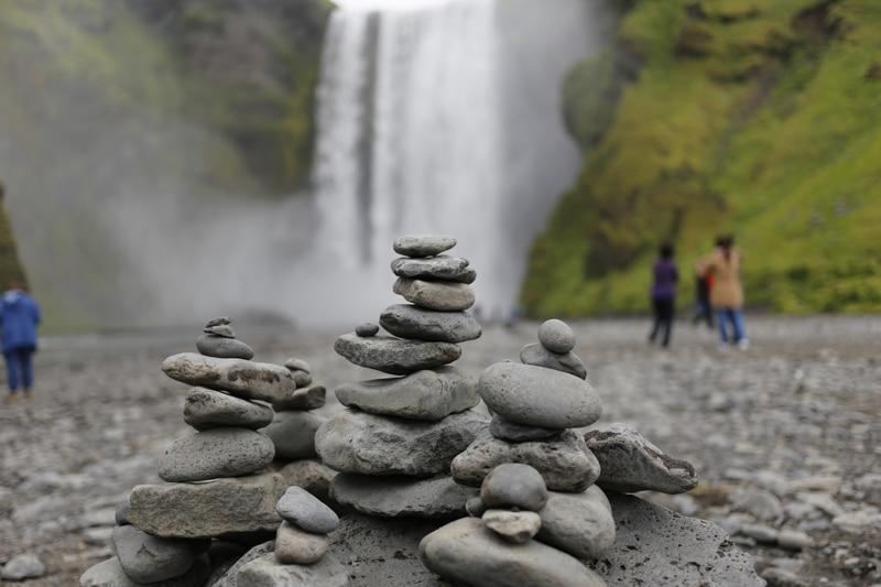 ruta de 10 por islandia por autocaravana skogarfoss